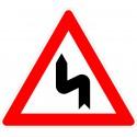 Verkehrszeichen-Nr.: 105-10 Doppelkurve zunächst links