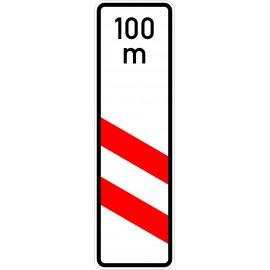 Verkehrszeichen-Nr.: 159-21 zweistreifige Bake, Aufstellung links mit Entfernungsangabe